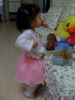 Kenapatan dancing to the Spongebob song... Macam chicken dance pun ada jugak la.